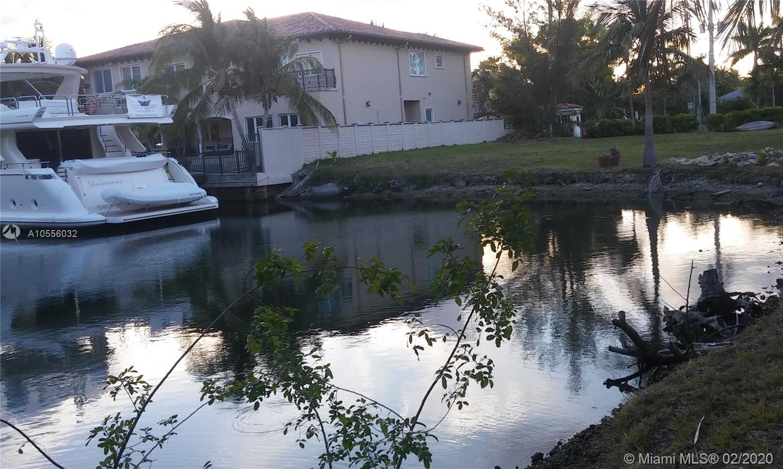 164  st  For Sale A10556032, FL
