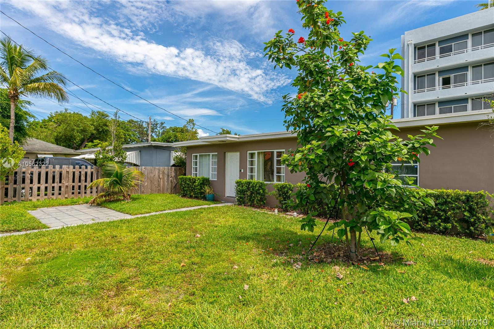 3271  Thomas Ave  For Sale A10562322, FL