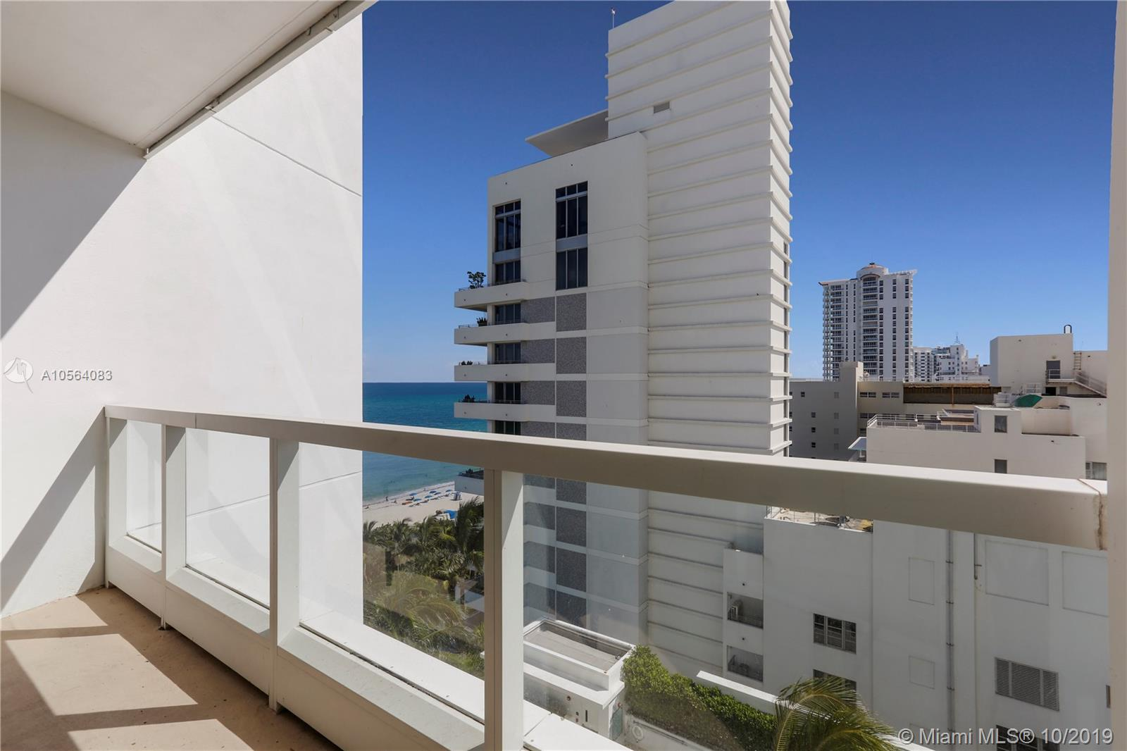 4391  Collins Ave   1015