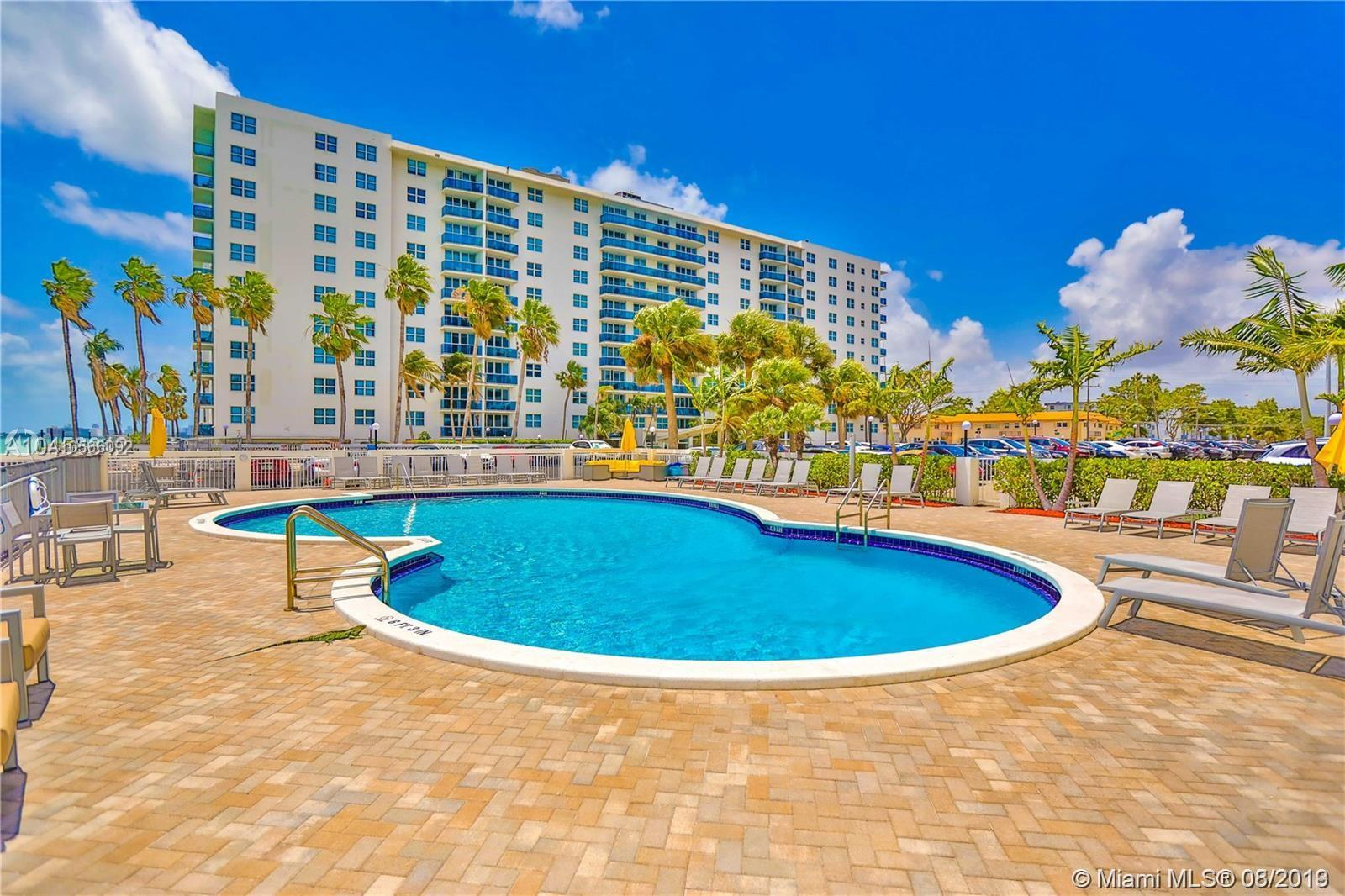7501 E Treasure Dr #6T For Sale A10566092, FL