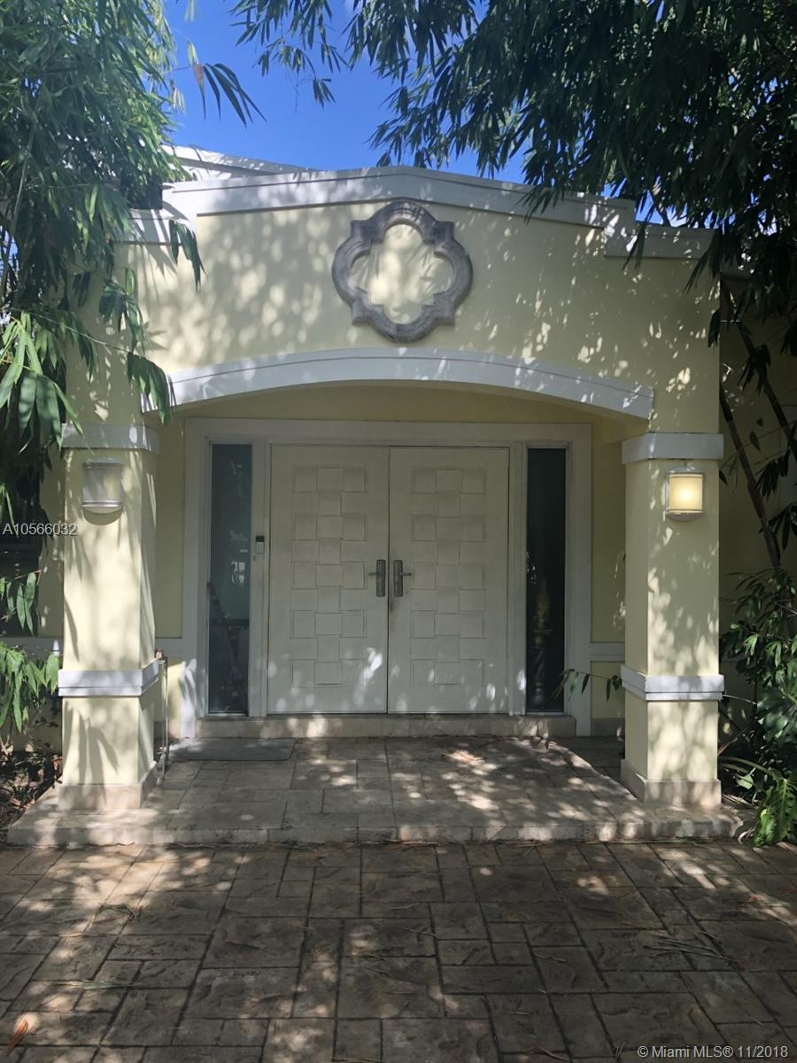 5725 SW 56th St  For Sale A10566032, FL