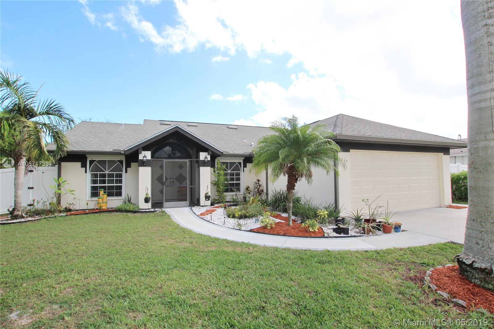 1649 SE Ridgewood St, Port St. Lucie, FL 34952