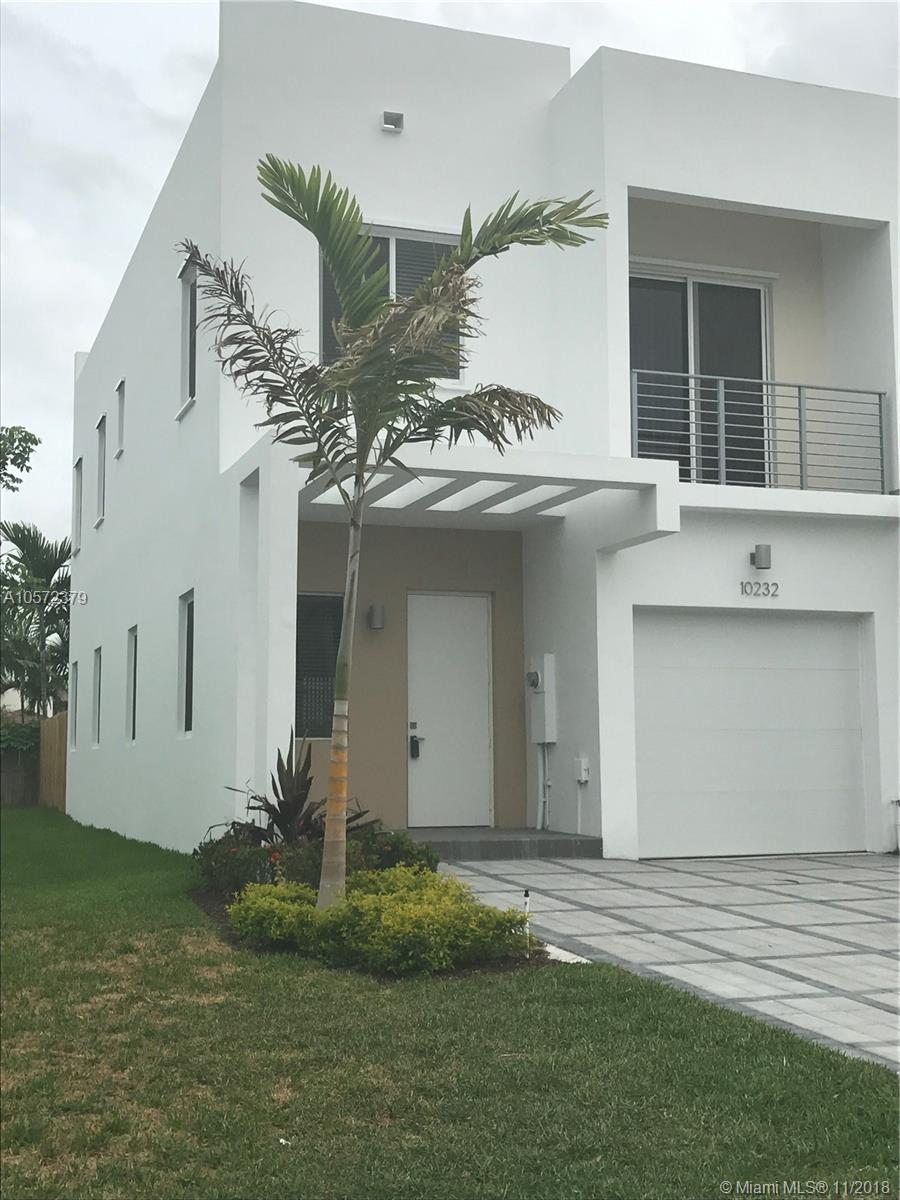 10232 NW 71st Ter  For Sale A10572379, FL