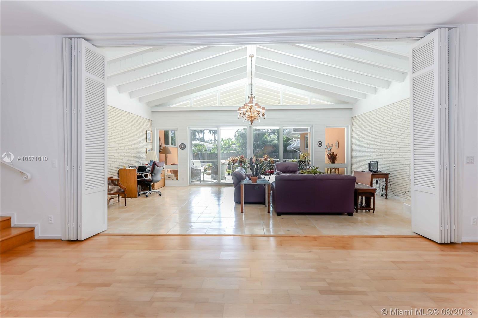 1240  Jefferson St  For Sale A10571010, FL