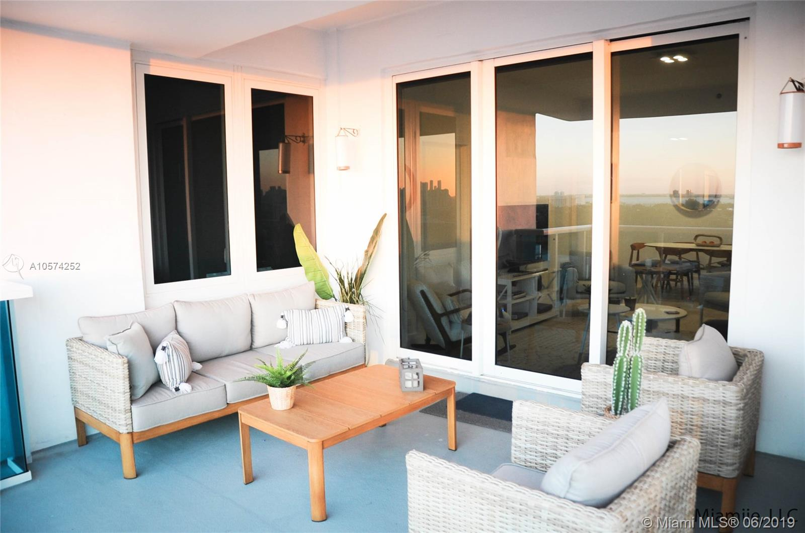 2301  Collins Ave #PH21 For Sale A10574252, FL