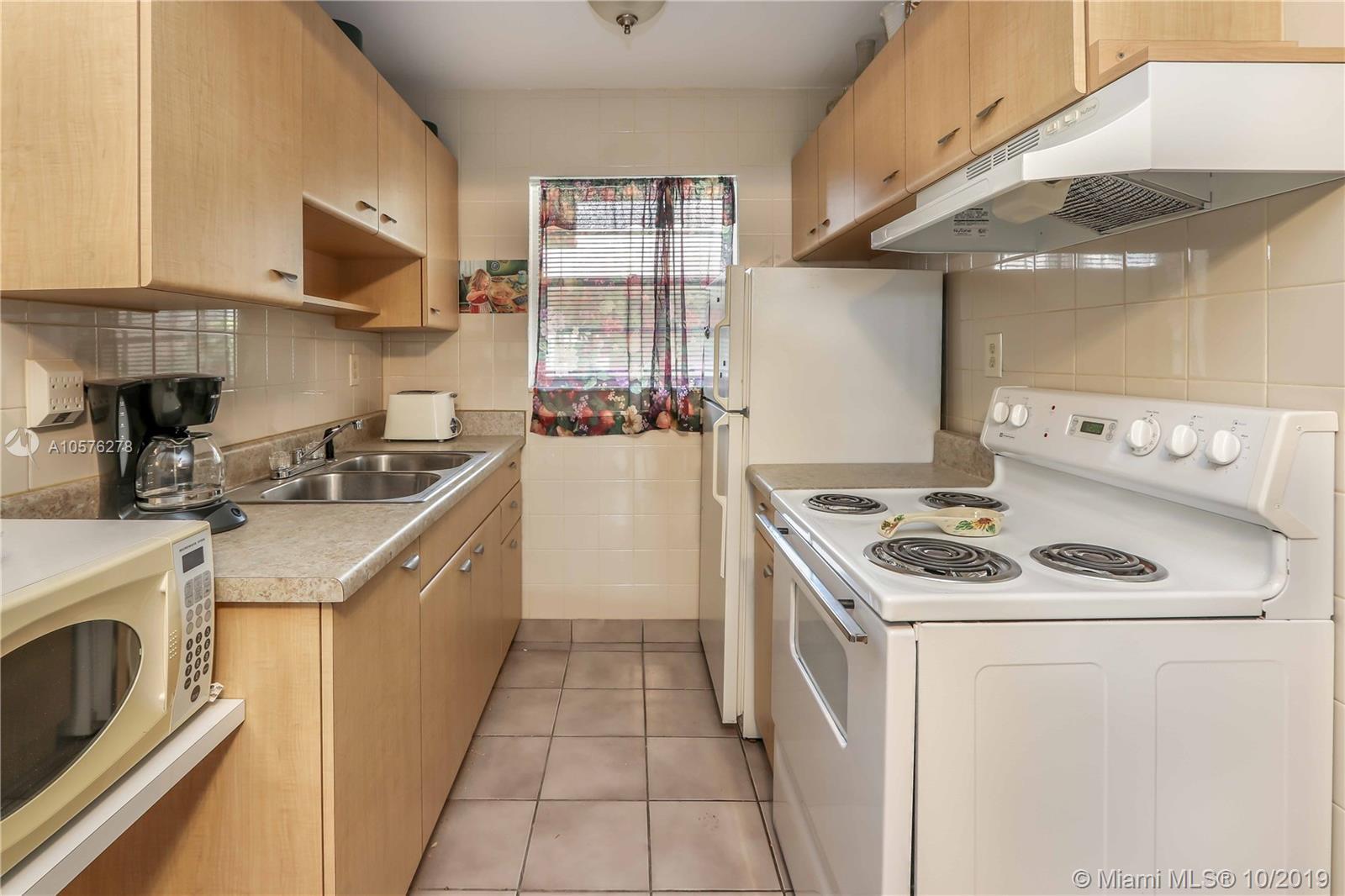 2145  Pierce St #126 For Sale A10576278, FL
