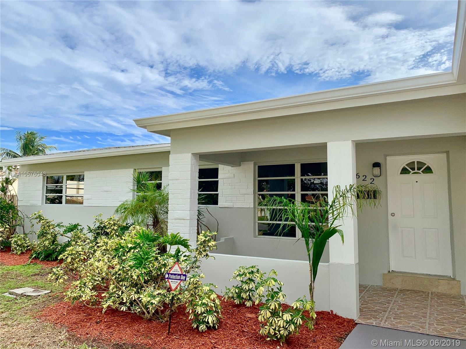 2622  Plunkett St  For Sale A10576043, FL