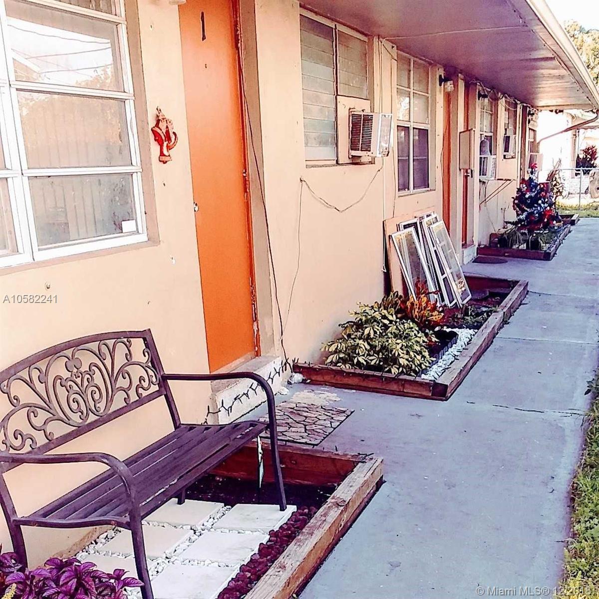 6233  Dawson St  For Sale A10582241, FL