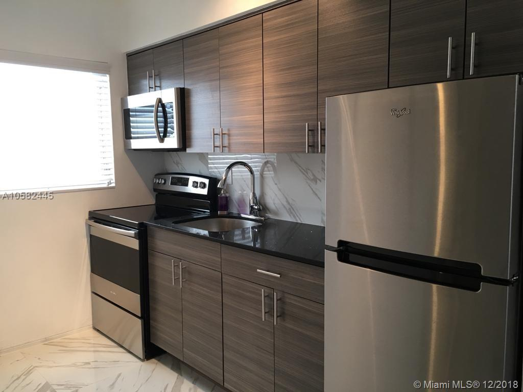 1611  West Ave #12 For Sale A10582445, FL