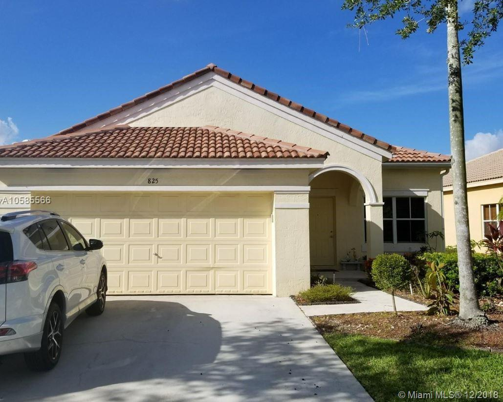825  Tanglewood Cir  For Sale A10585566, FL