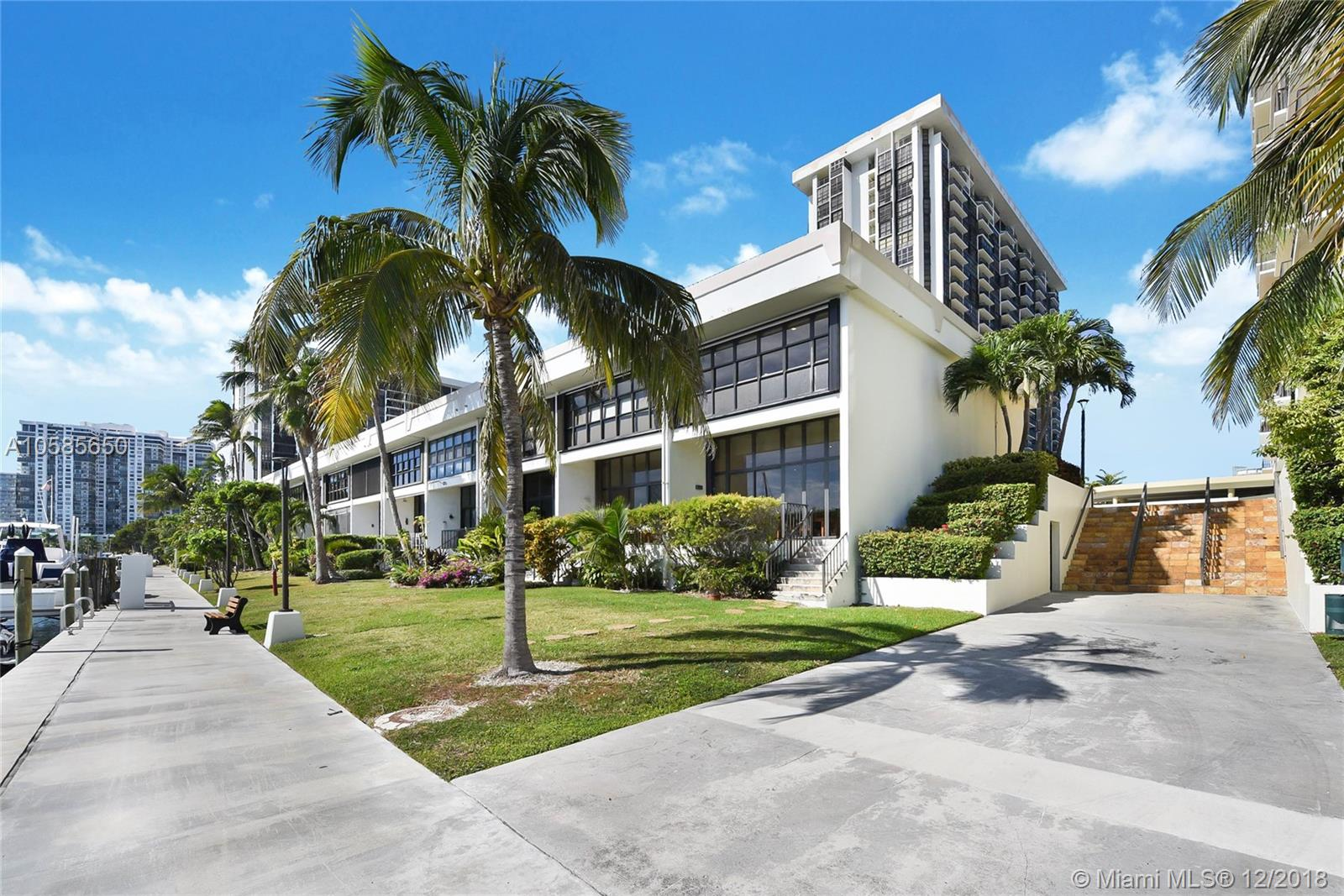1865  Brickell Ave #THI For Sale A10585650, FL