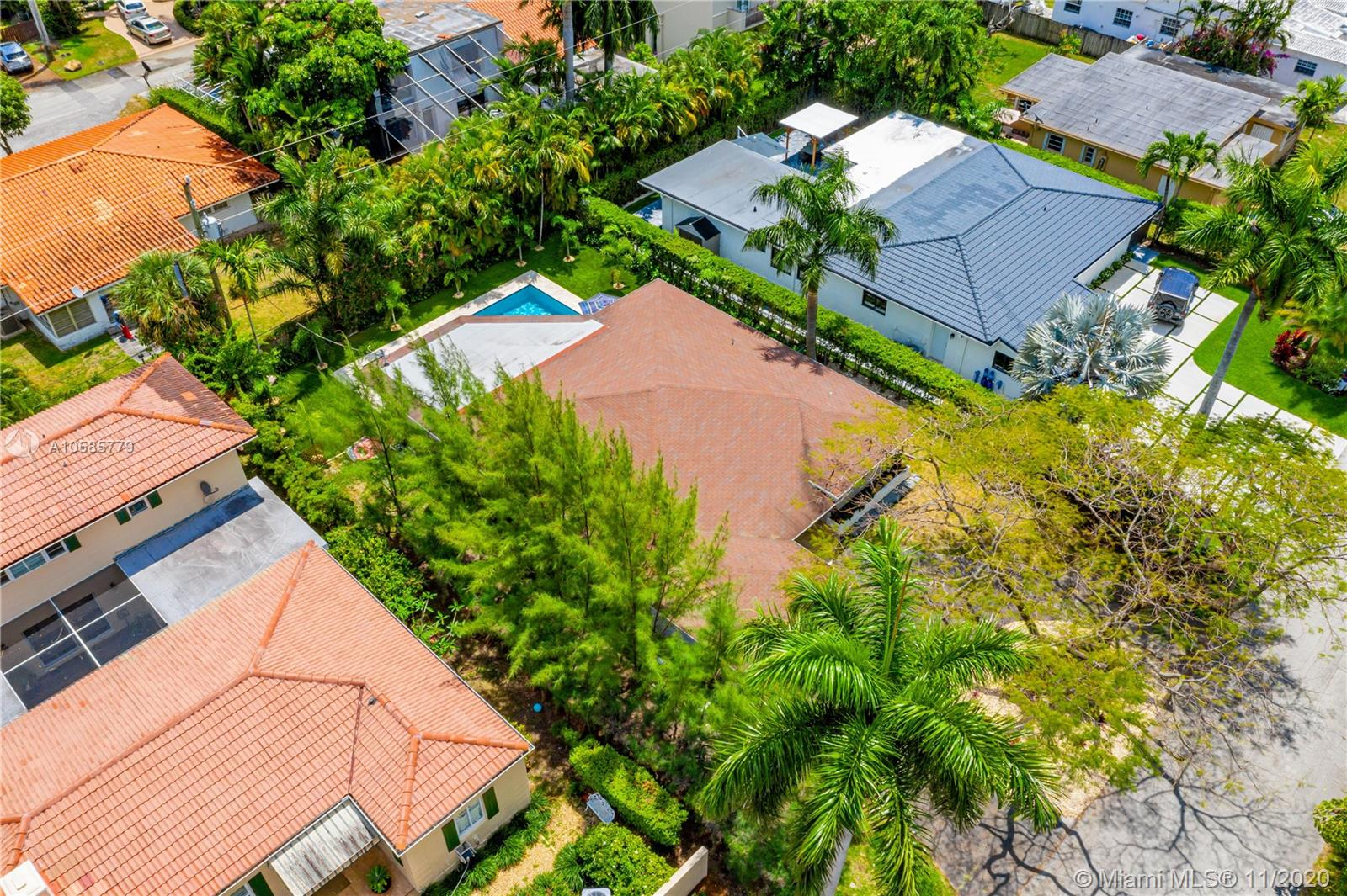 7611  Coquina Dr  For Sale A10585779, FL