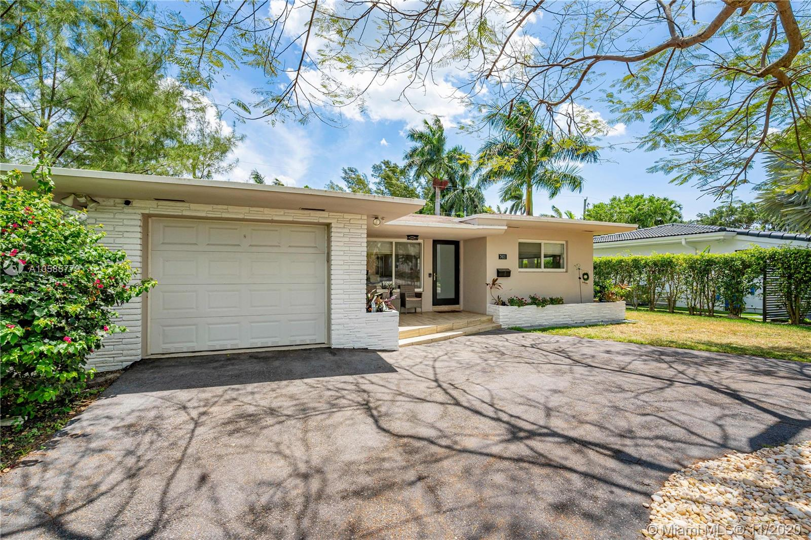 Image 6 For 7611 Coquina Dr