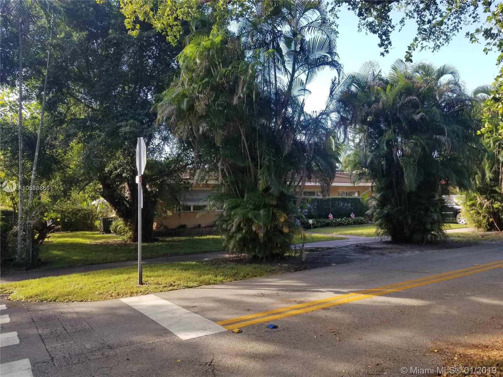 1400  Medina Ave  For Sale A10588660, FL