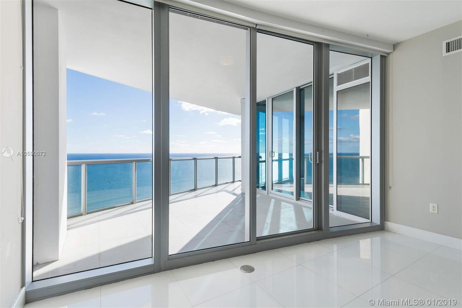 17121  Collins Ave #4204 For Sale A10590572, FL