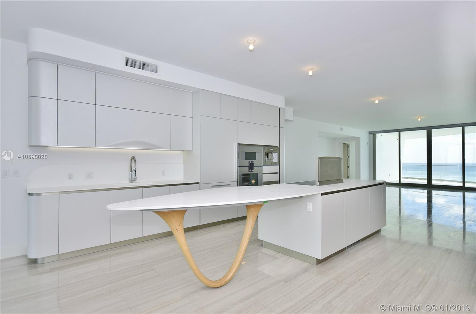 16901  Collins Ave   4003