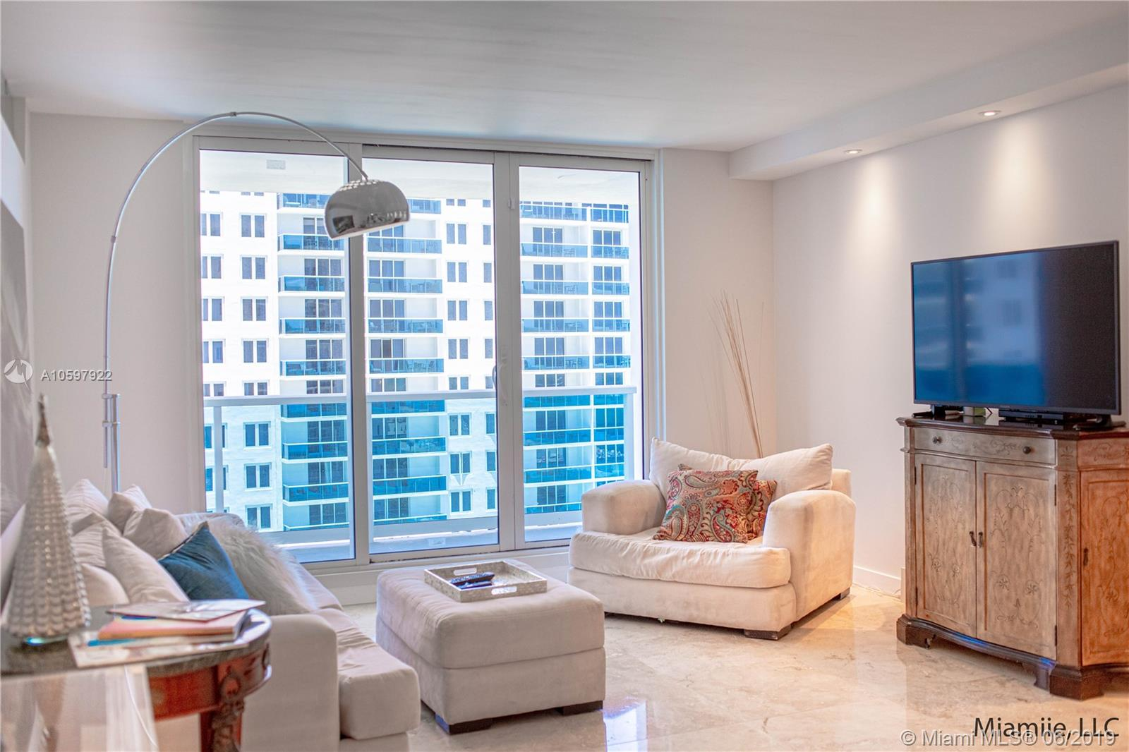 2301  Collins Ave #1117 For Sale A10597922, FL