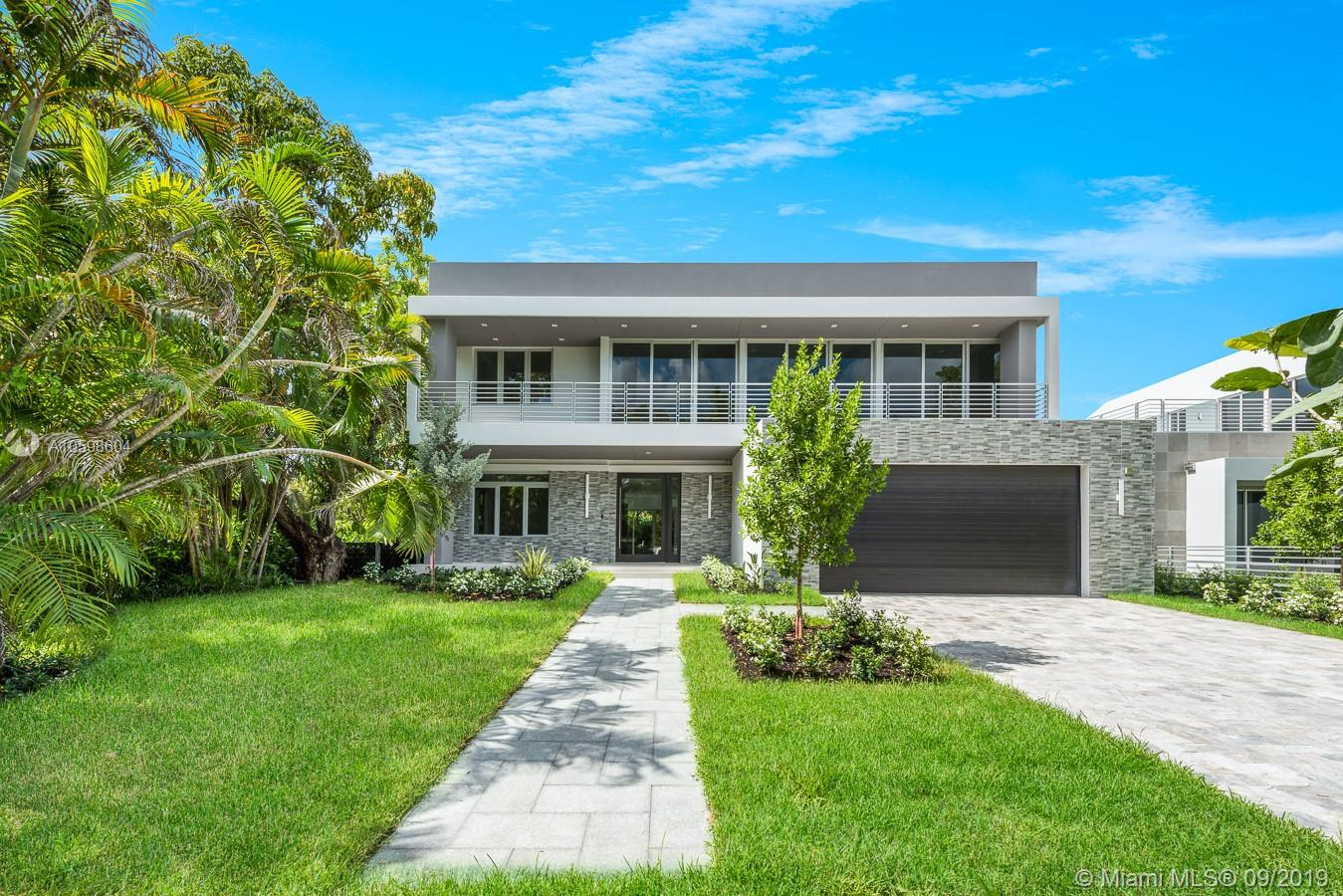 5480 SW 80 St  For Sale A10598604, FL