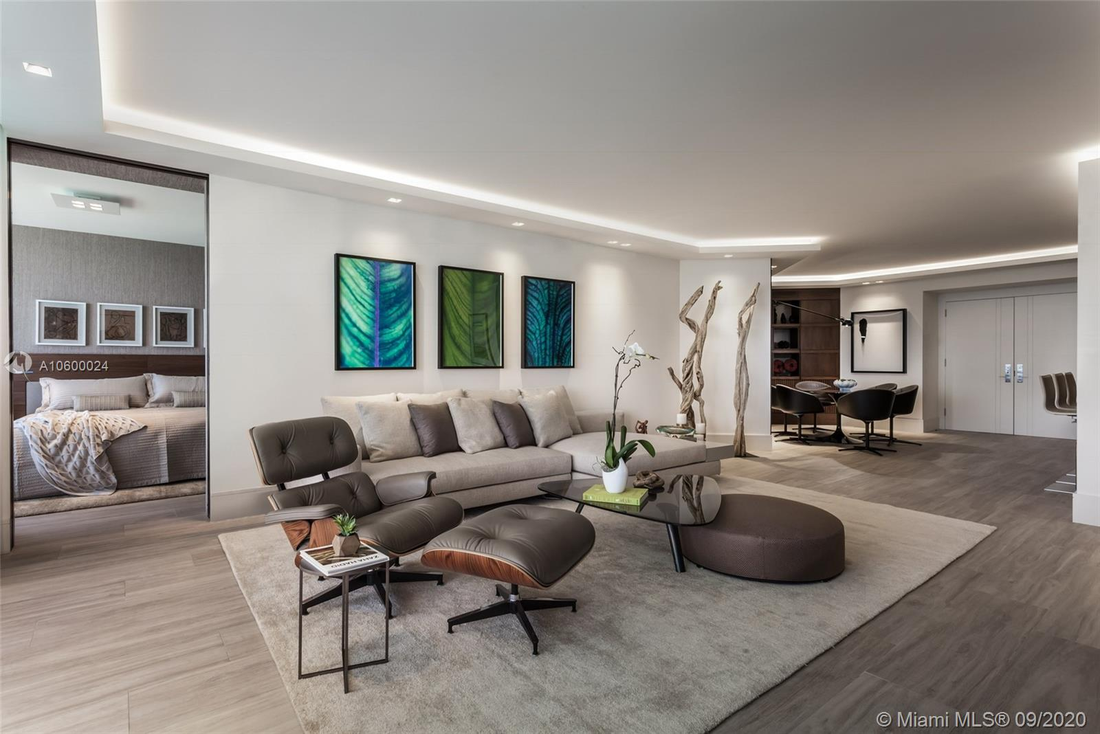 4775  Collins Ave   2902