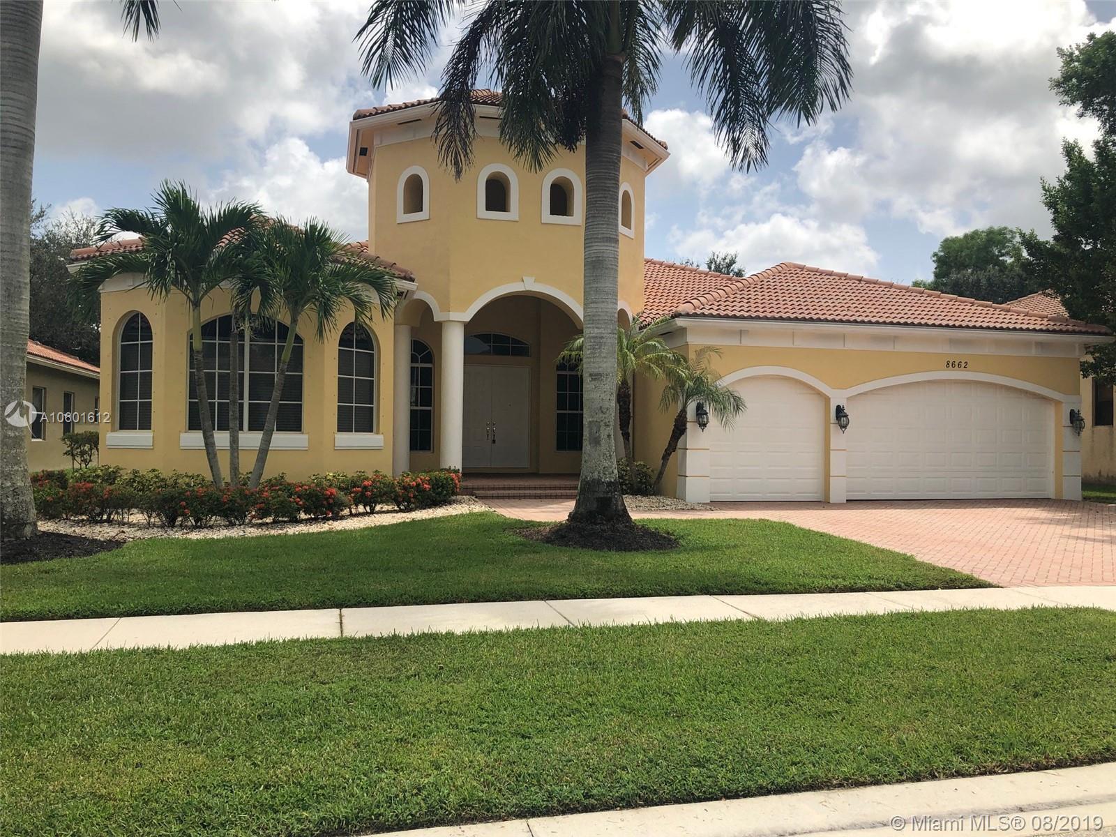 8662 Club Estates Way, Lake Worth, FL 33467