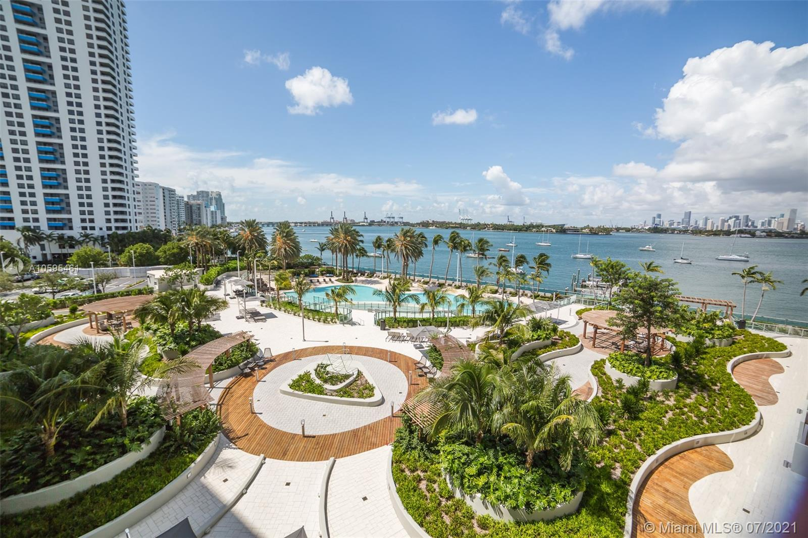 1500  Bay Rd #526S For Sale A10595461, FL
