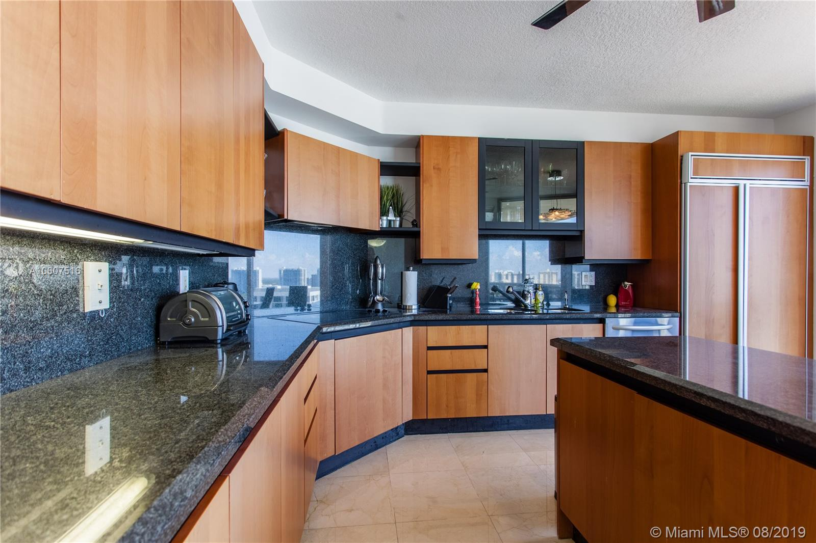 17555  Collins Ave   2406