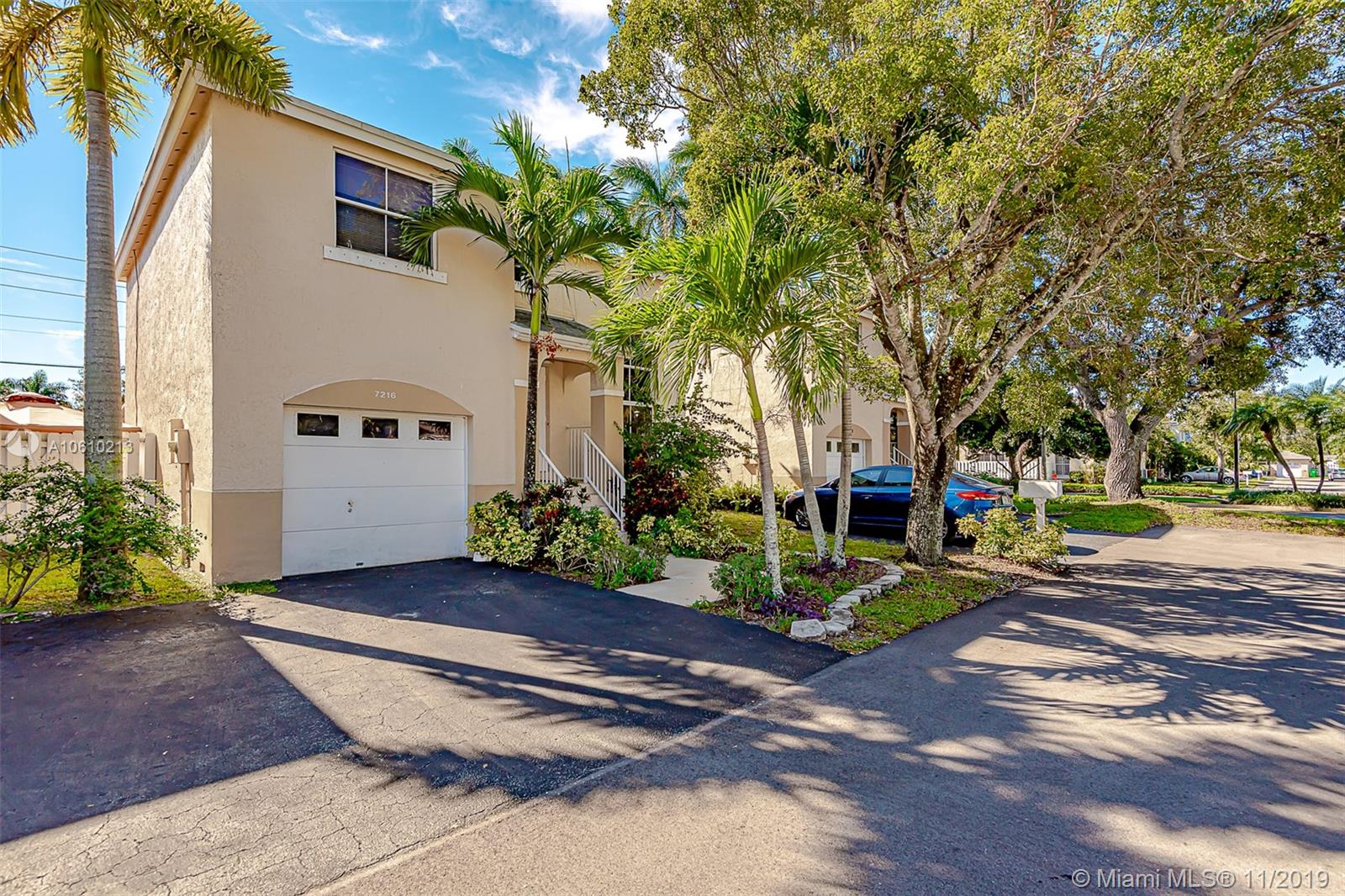 7216 SW 44th Ct  For Sale A10610213, FL