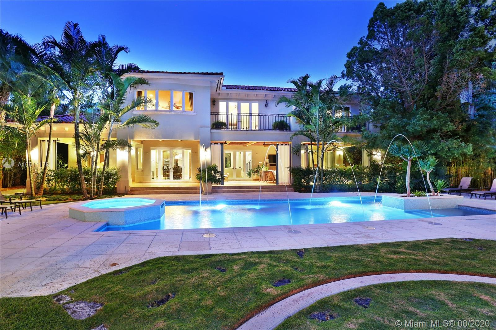 5002 SW 86th St  For Sale A10611178, FL