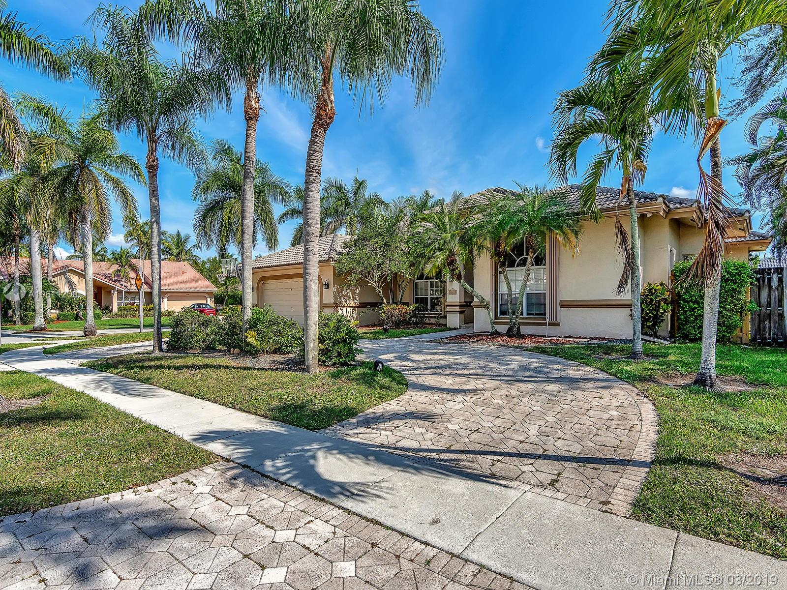 10985 NW 2nd St, Plantation, FL 33324