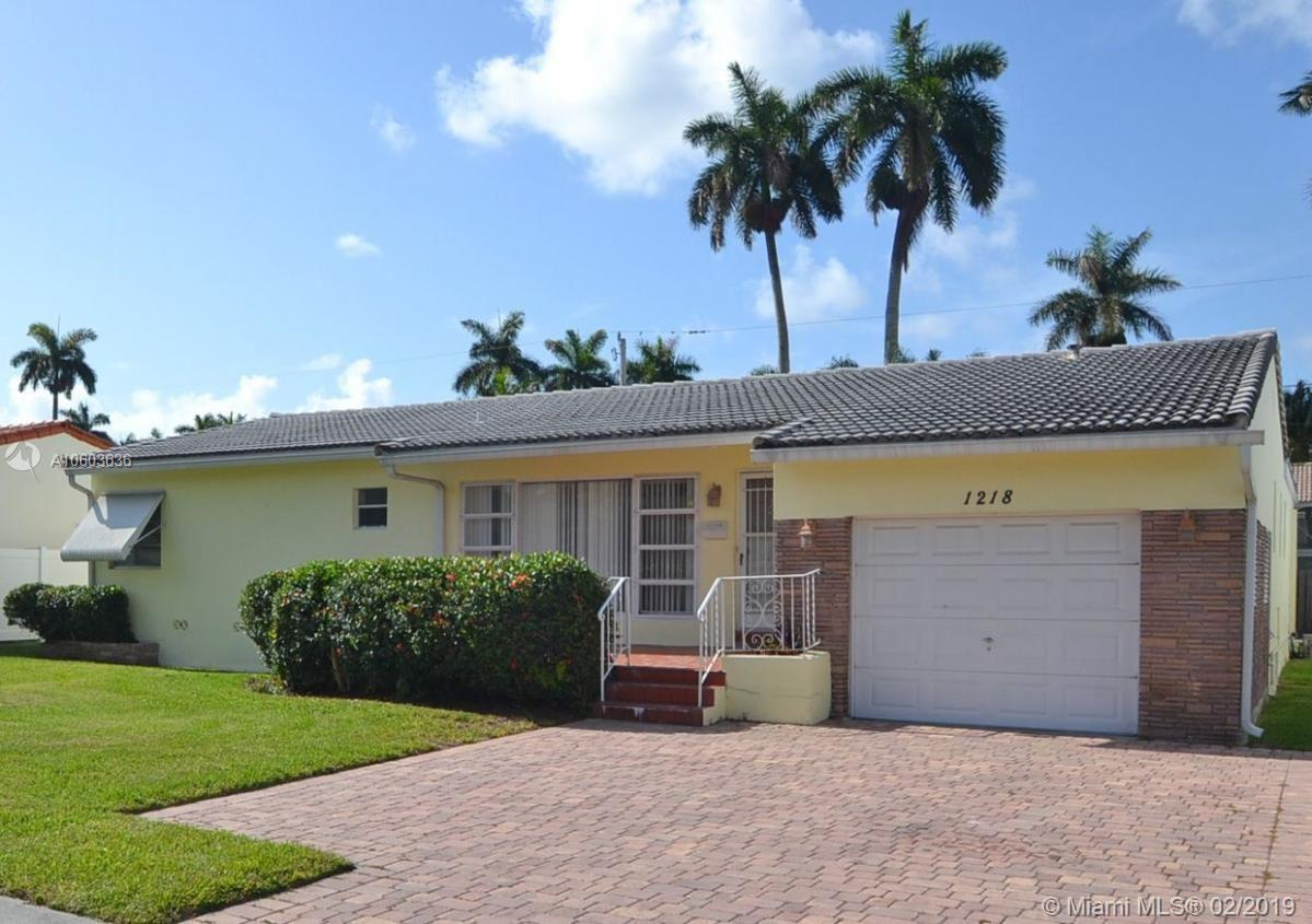 1218  Hollywood Blvd  For Sale A10603636, FL