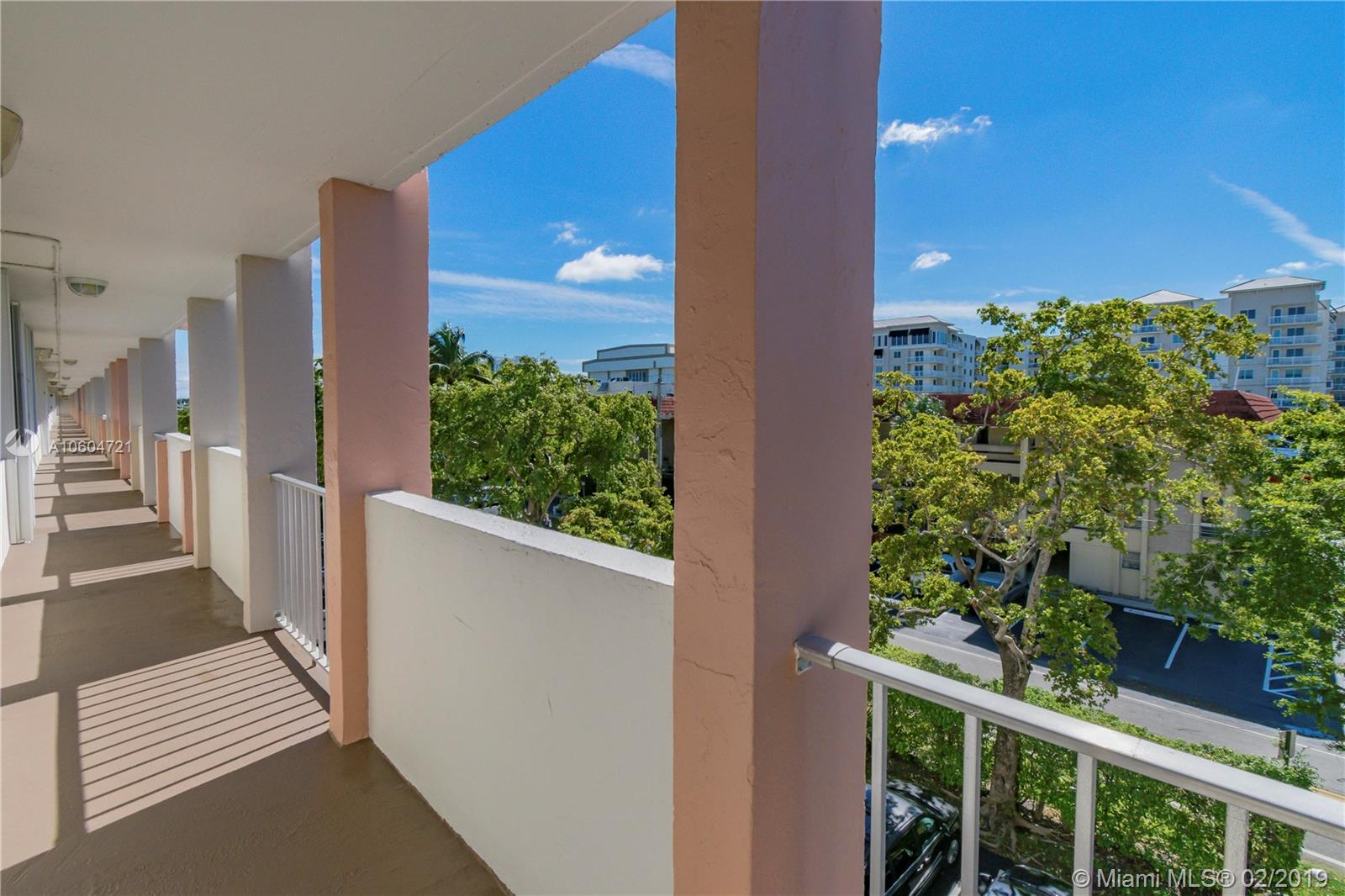 1731 15th St #401, Fort Lauderdale, Florida image 1