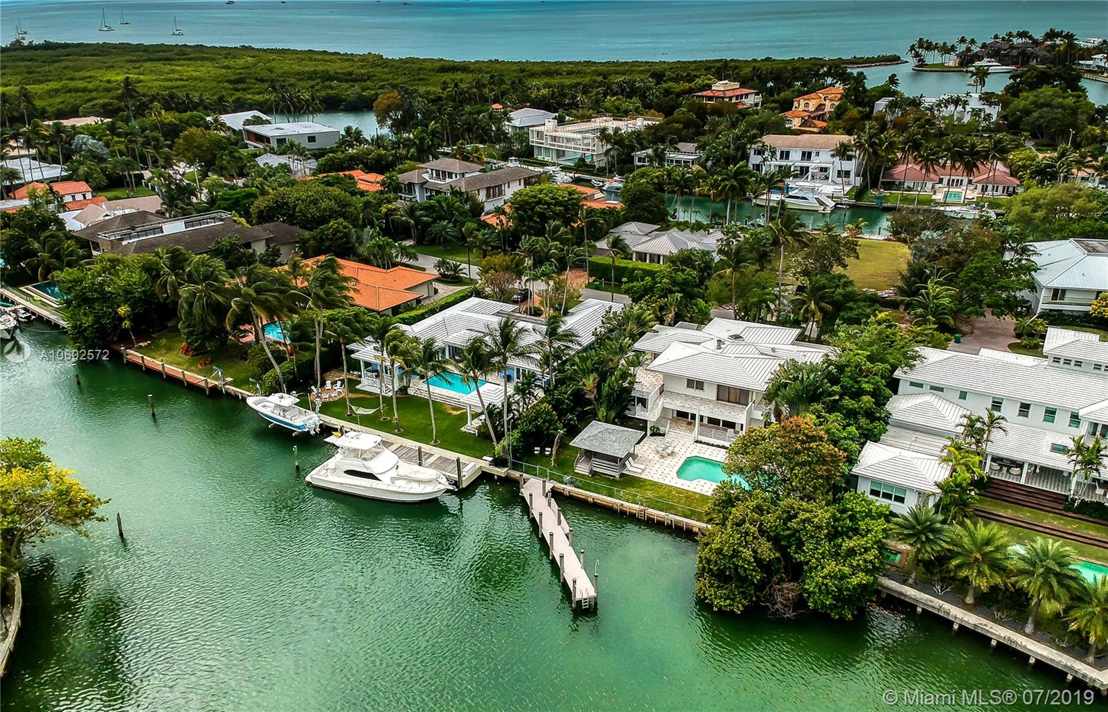 945  Mariner Drive  For Sale A10602572, FL