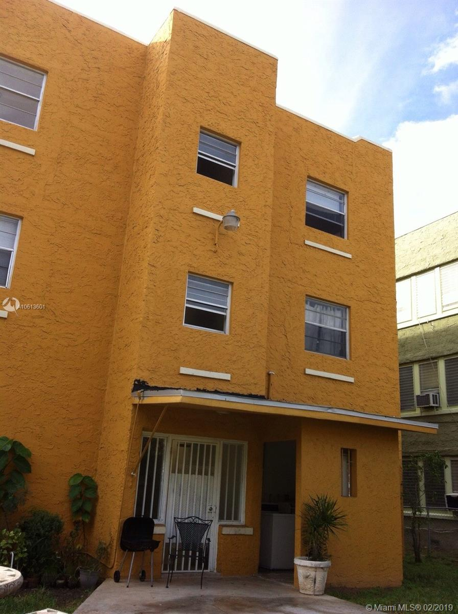 1043 NW 2nd St #3 For Sale A10613601, FL