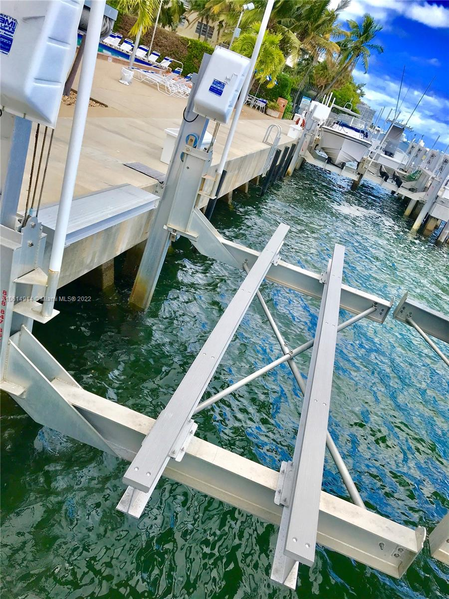 150  SE 25th RD Dock #13  For Sale A10614914, FL