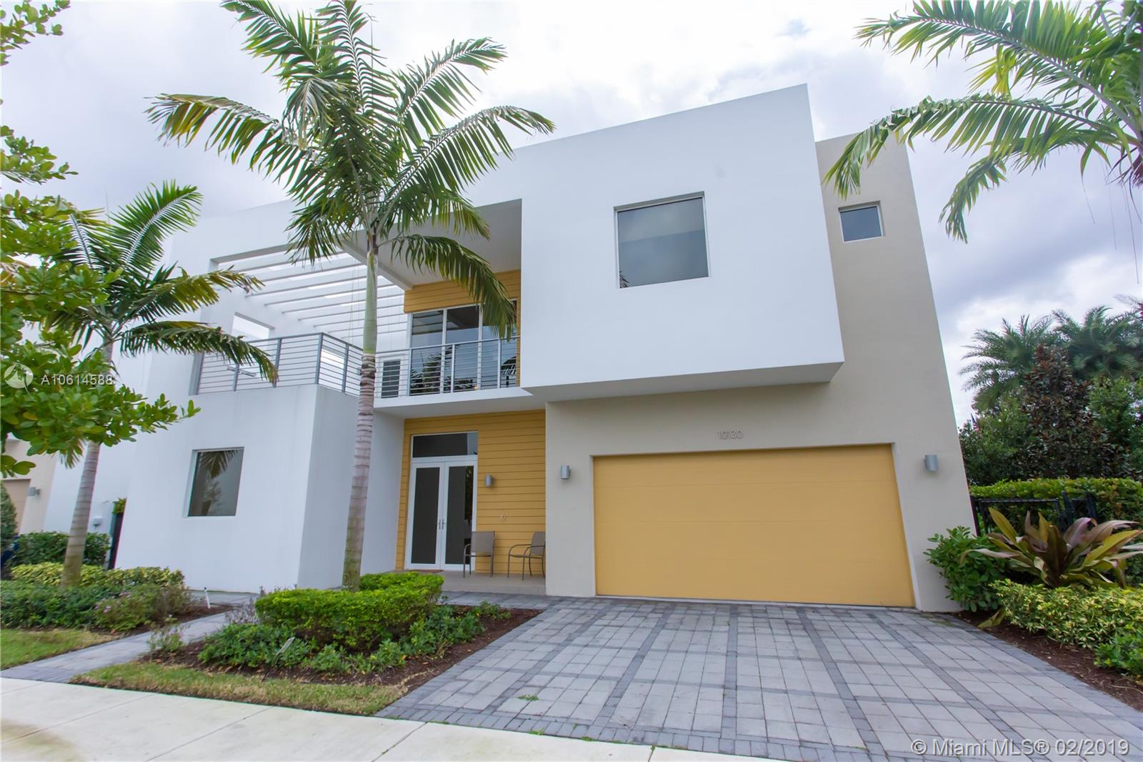 10130 NW 74th Ter  For Sale A10614588, FL