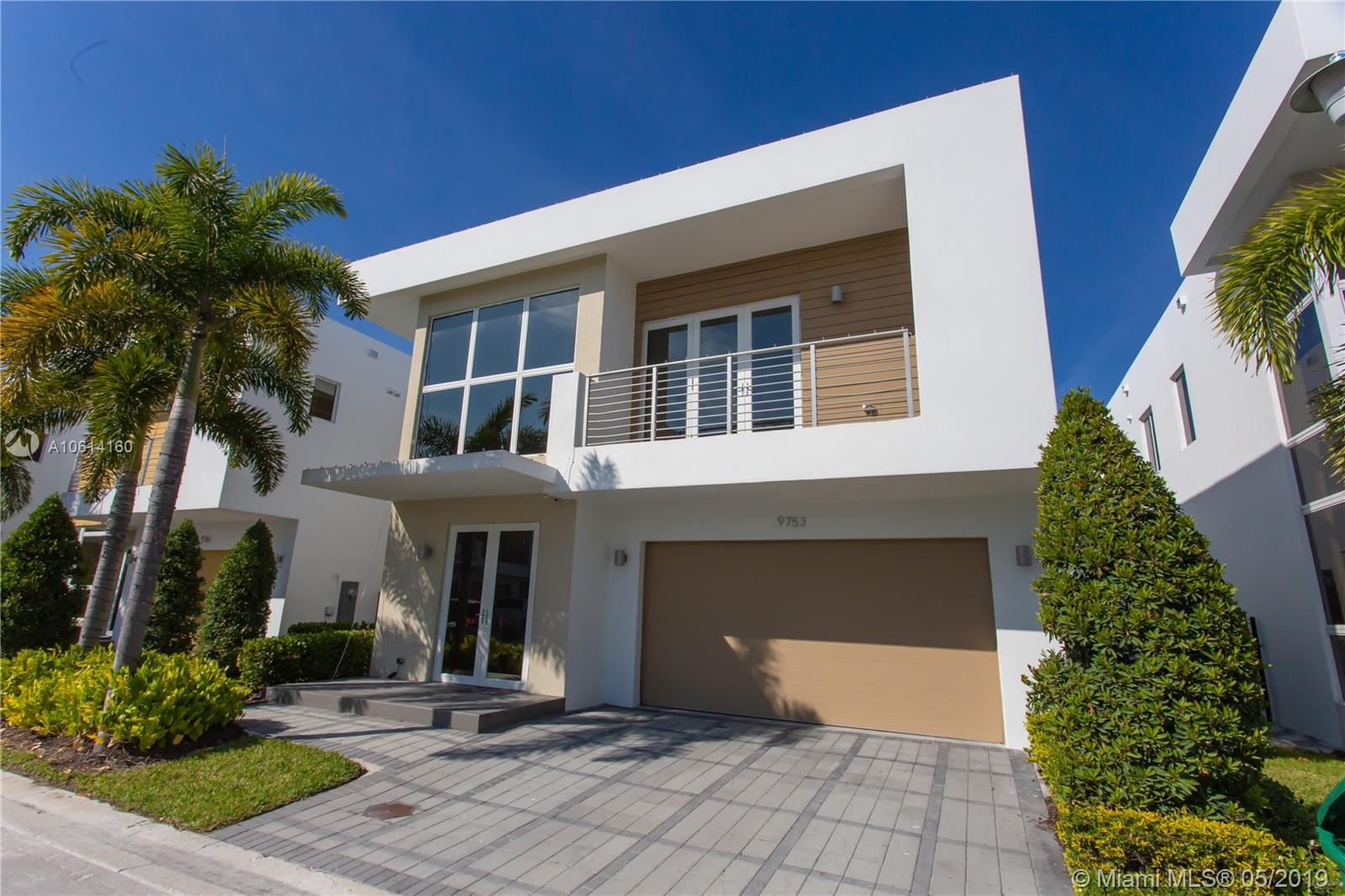 9753 NW 75th Ter  For Sale A10614160, FL