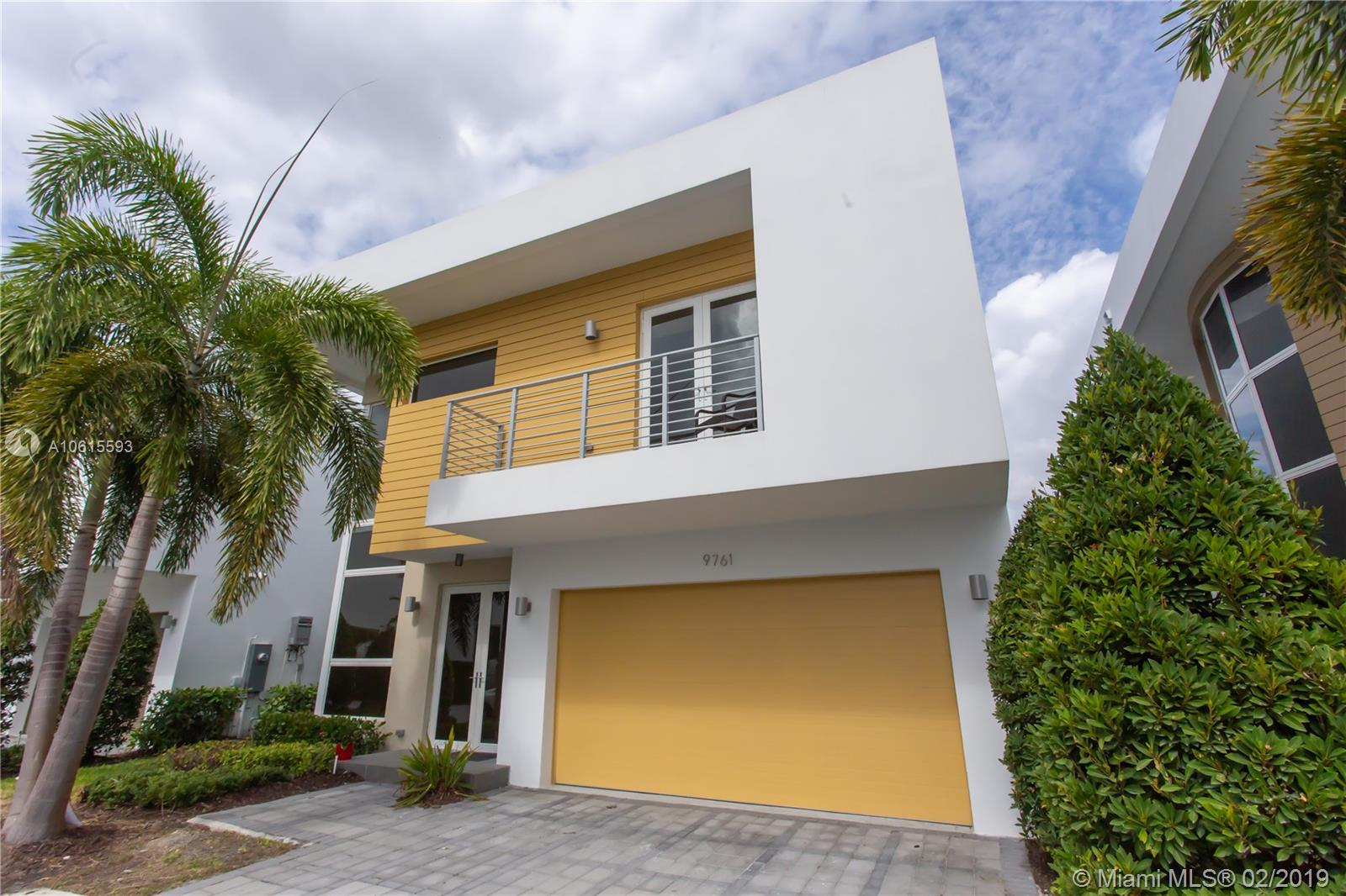 9761 NW 75 TER  For Sale A10615593, FL