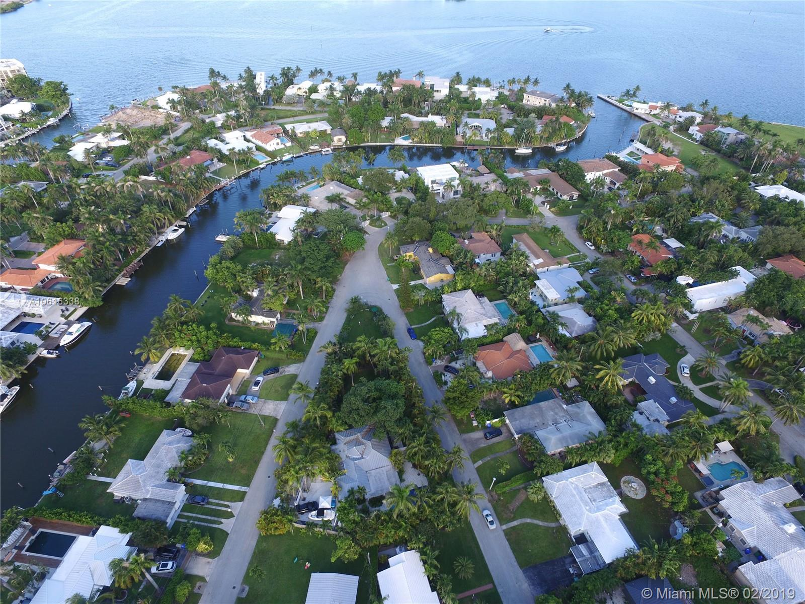 950 NE 75th St  For Sale A10616338, FL