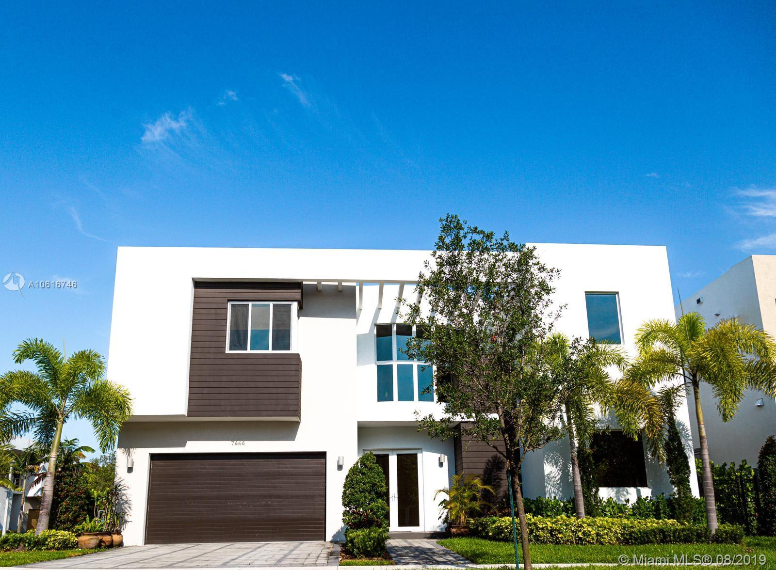 7444 NW 101st Ave  For Sale A10616746, FL
