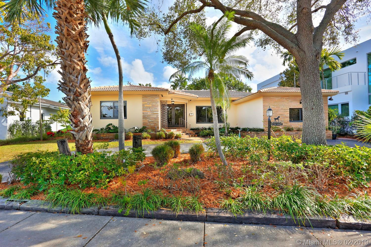 26  Bay Heights Dr  For Sale A10615052, FL