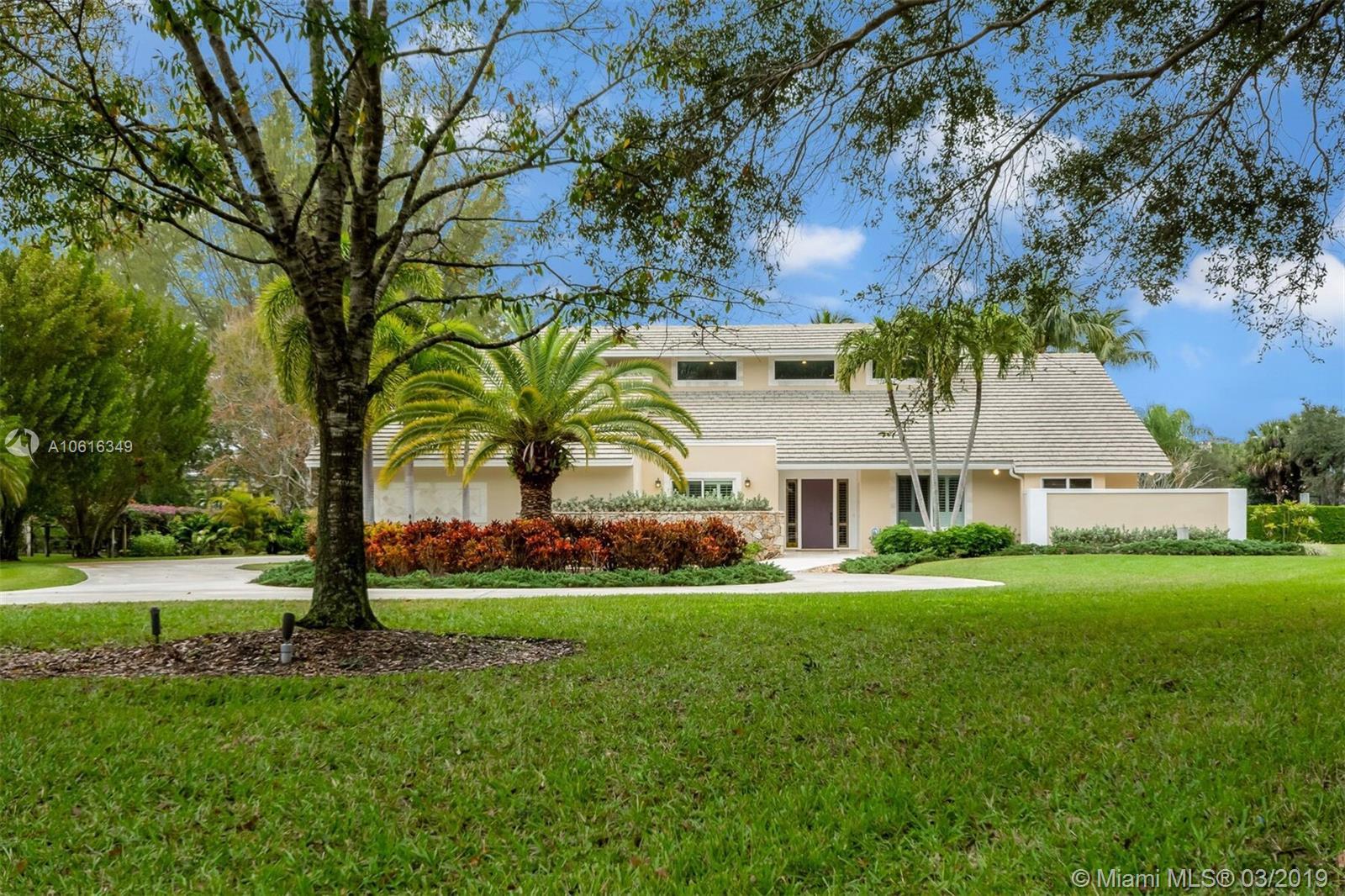 8566 N Native Dancer Rd N, Palm Beach Gardens FL 33418