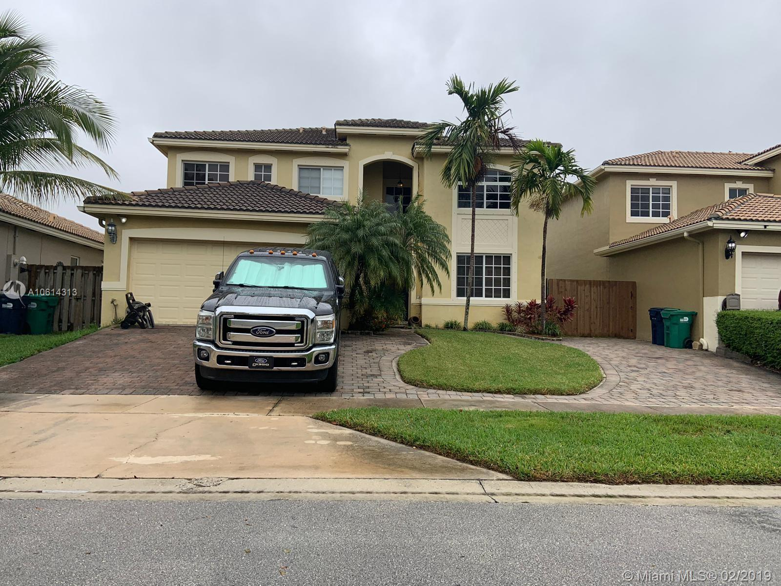 8917 SW 211th Ln  For Sale A10614313, FL