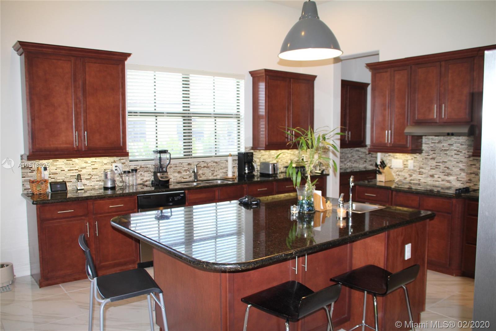 8930 Parkside Estates Dr, Davie, FL 33328