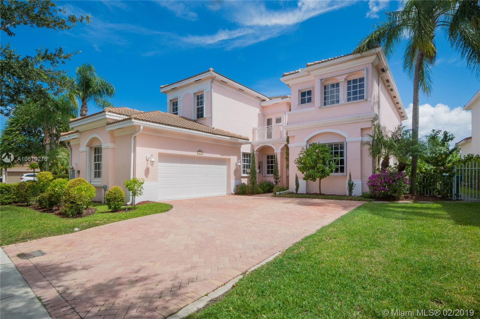 1590  Presidential Way  For Sale A10619216, FL