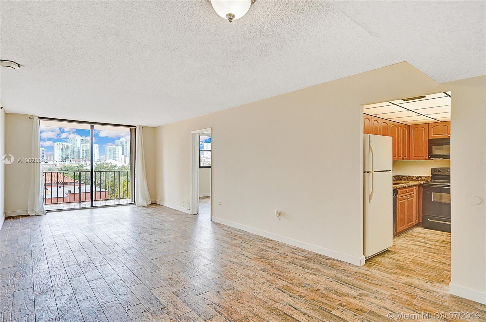 210  174th St #506 For Sale A10620349, FL