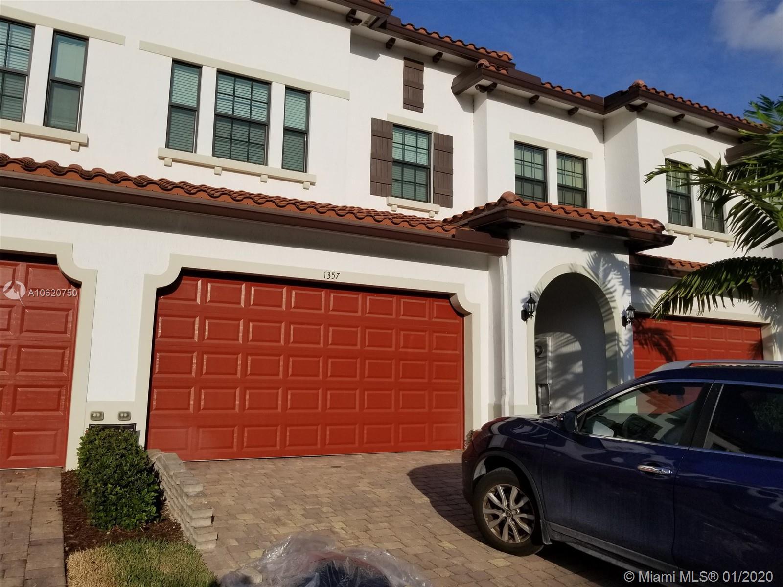 1357 SW 113th Ave, Pembroke Pines, FL 33025