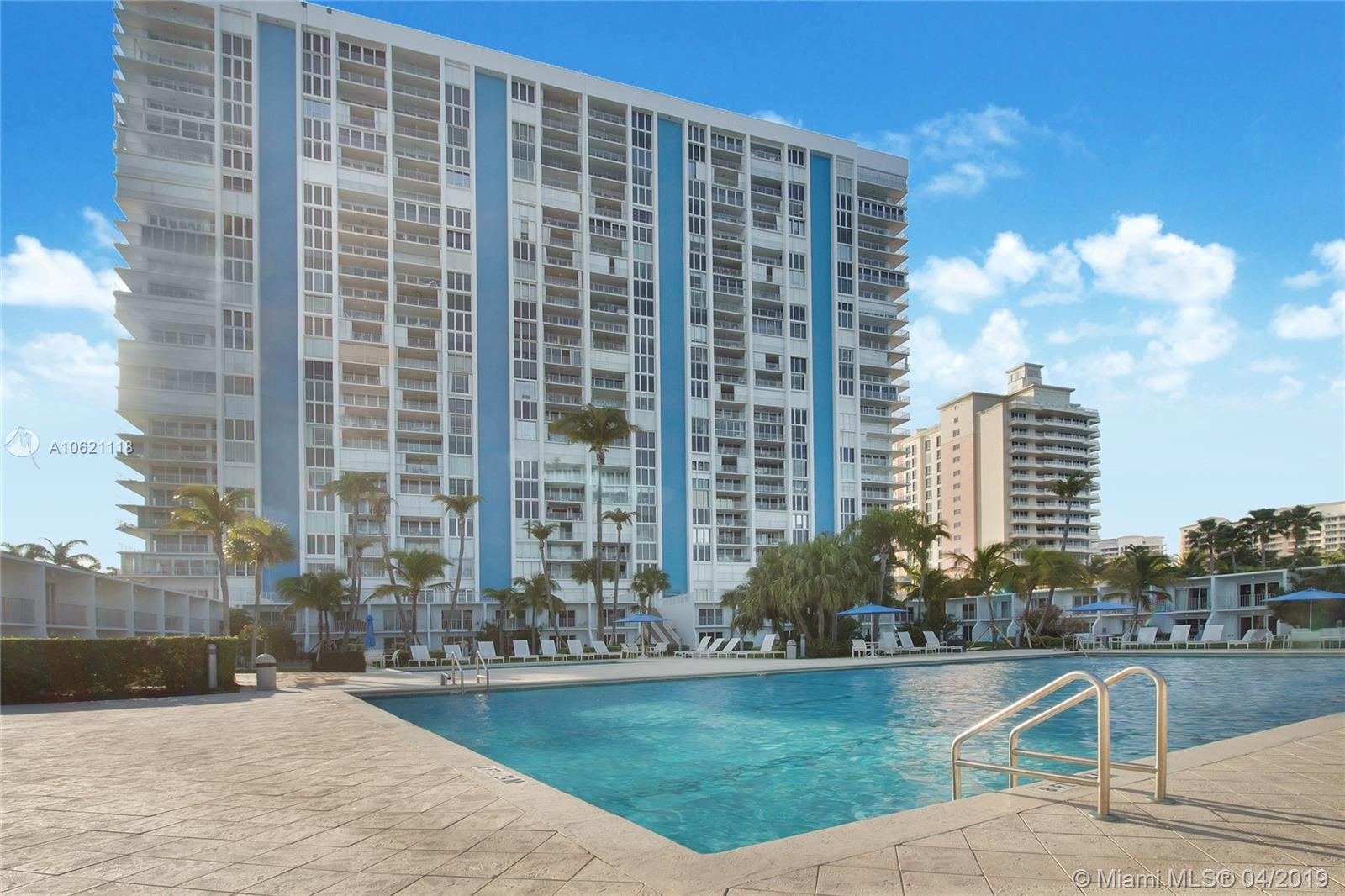 881  Ocean Dr #25E For Sale A10621118, FL