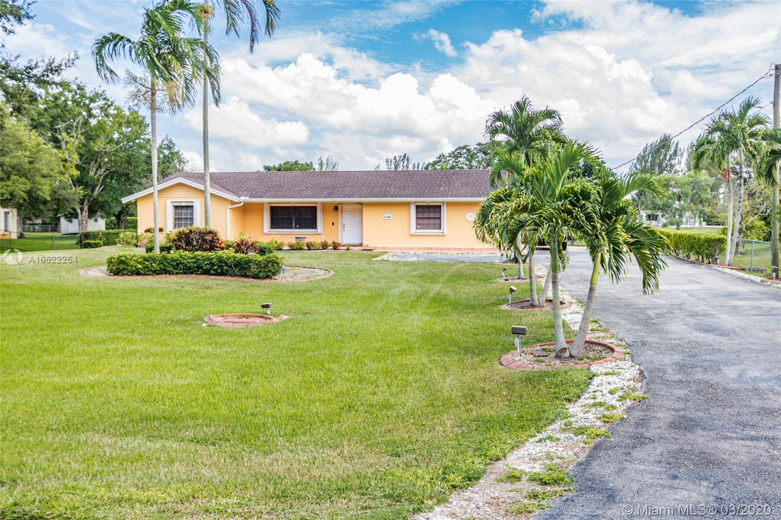 13450 SW 26TH ST  For Sale A10622264, FL