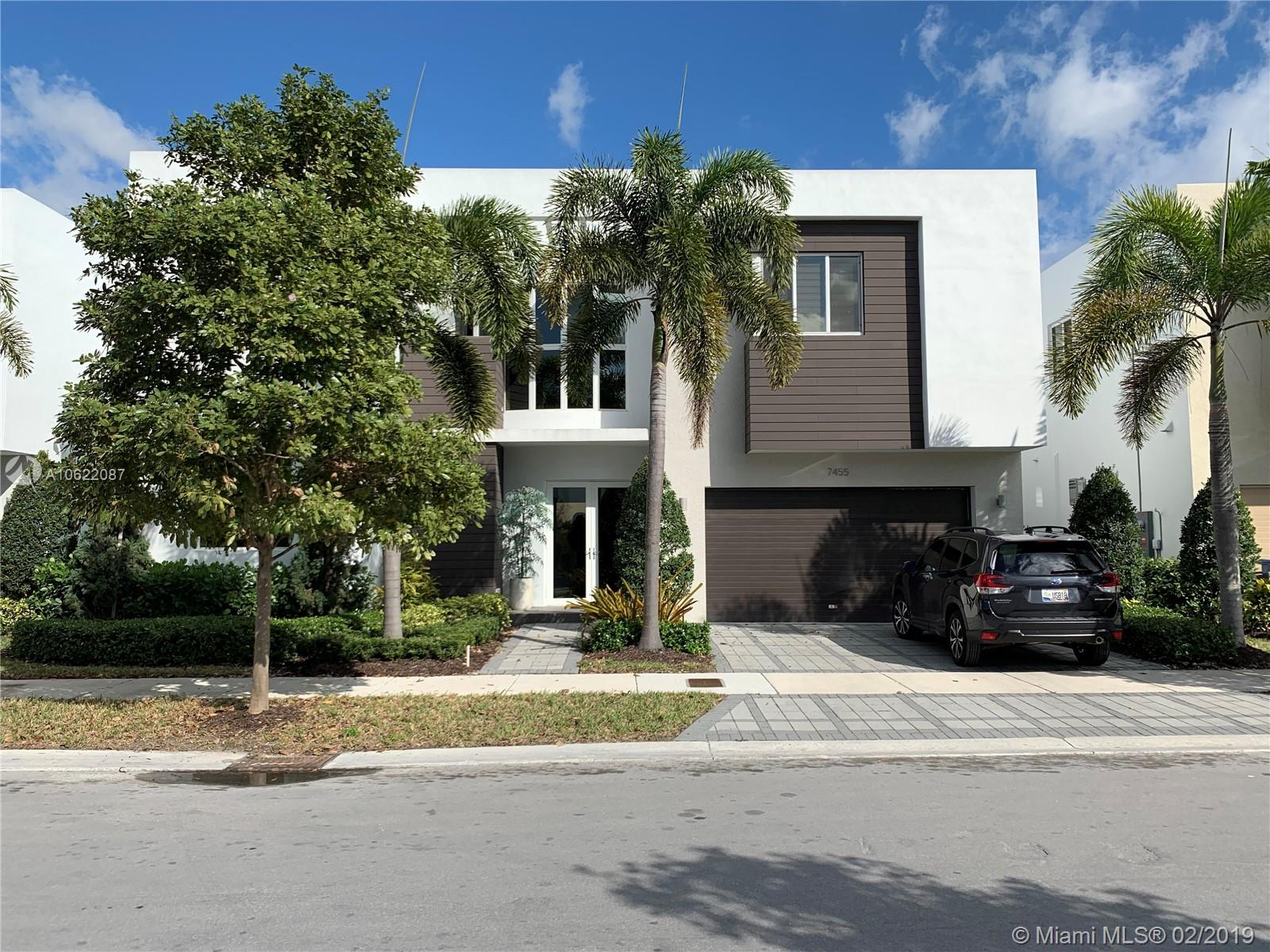 7455 NW 99th Ave  For Sale A10622087, FL