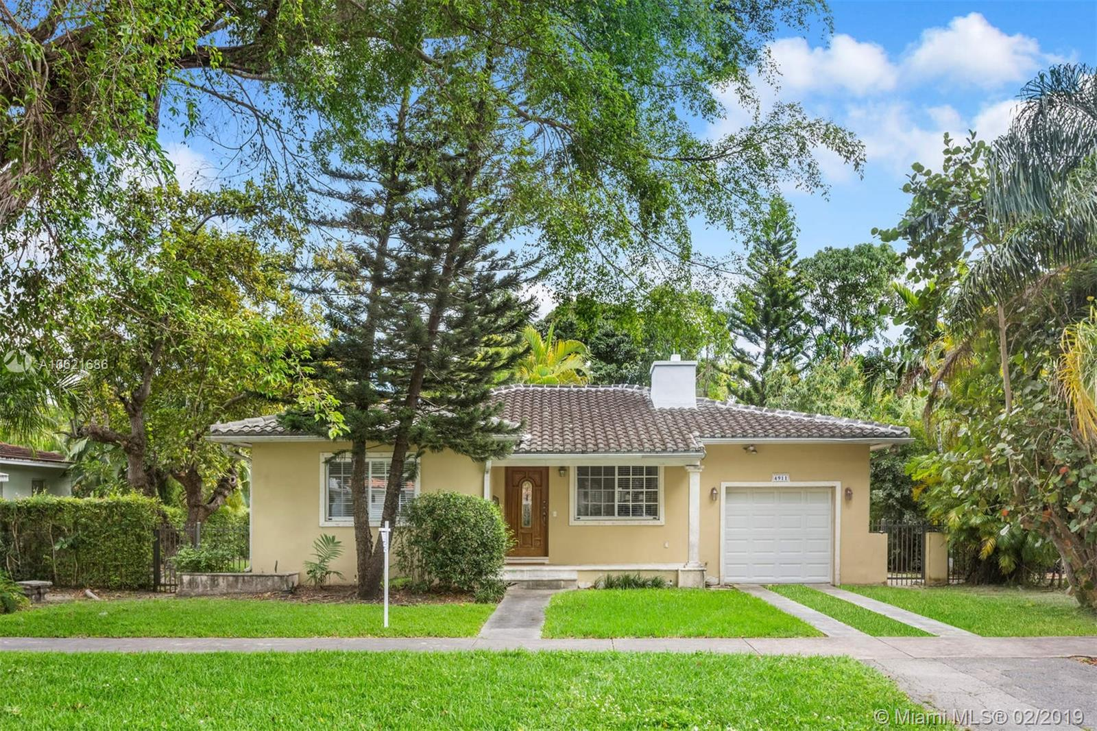 4911  Riviera Dr  For Sale A10621686, FL